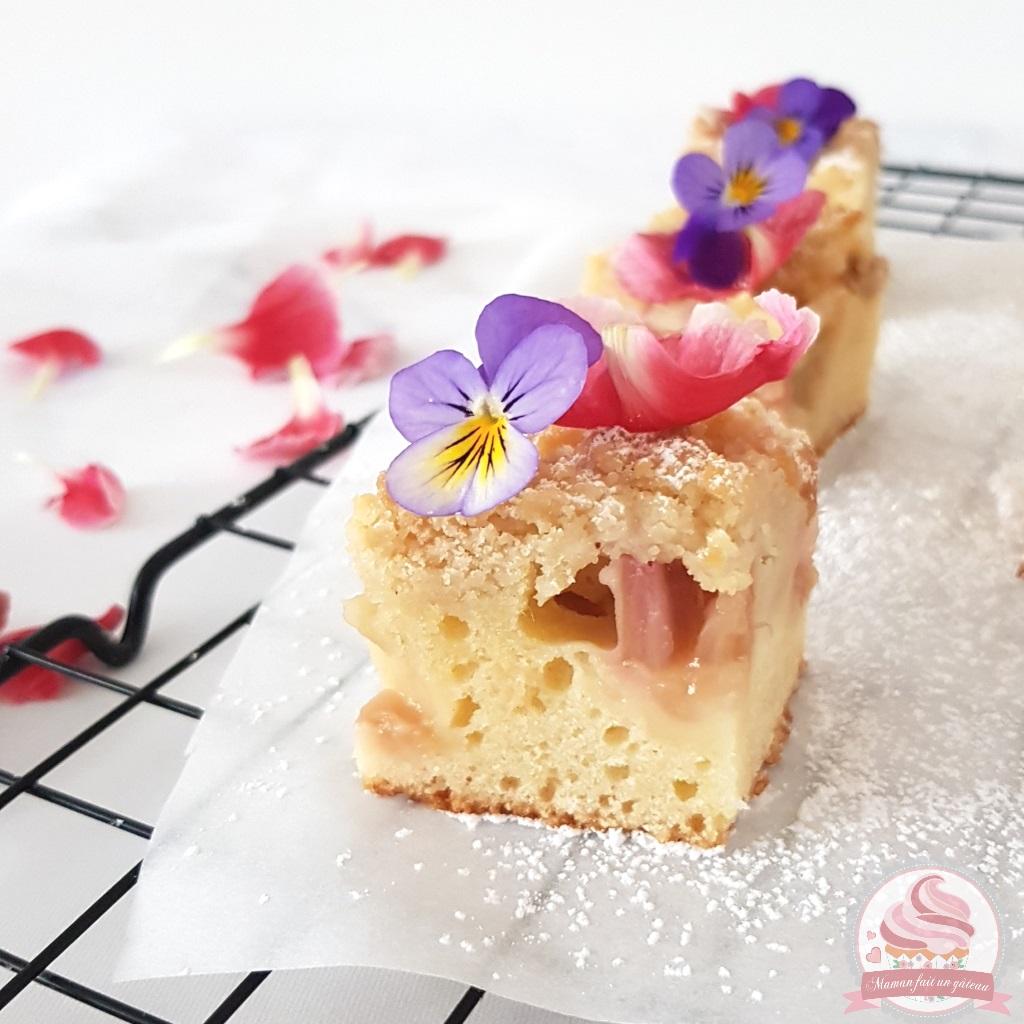 Que Faire Des Fleurs De Rhubarbe crumb cake rhubarbe fleur d'oranger   maman fait un gâteau